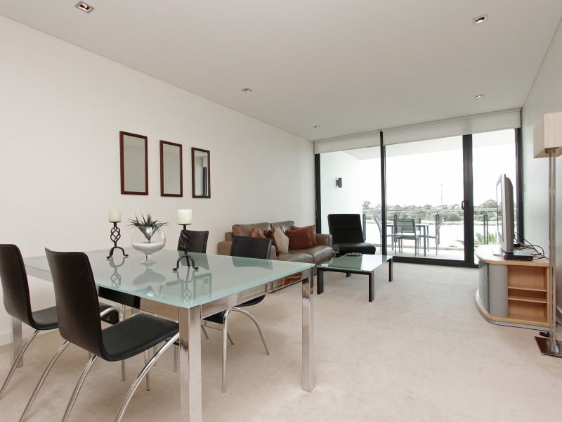 https://propertyphotos.vaultre.com.au/835/759706__reaimport-1568684098-347356-29028.jpg