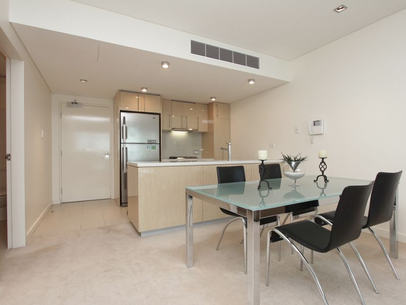 https://propertyphotos.vaultre.com.au/835/759707__reaimport-1568684098-347356-29028.jpg