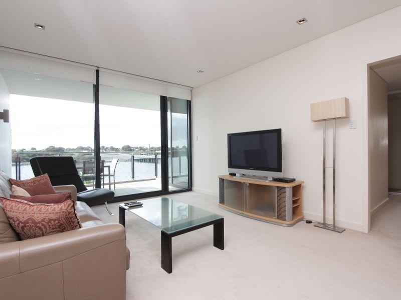 https://propertyphotos.vaultre.com.au/835/759709__reaimport-1568684099-347356-29028.jpg