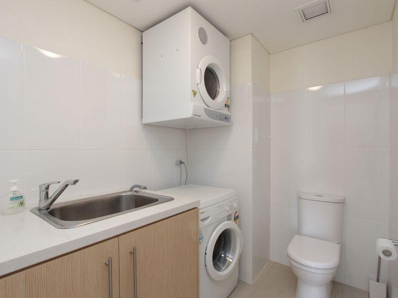 https://propertyphotos.vaultre.com.au/835/759711__reaimport-1568684100-347356-29028.jpg