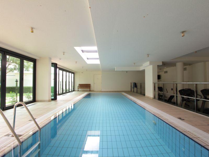 https://propertyphotos.vaultre.com.au/835/759718__reaimport-1568684102-347356-29028.jpg