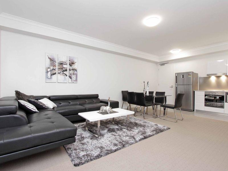 https://propertyphotos.vaultre.com.au/835/759874__reaimport-1568684156-347364-29036.jpg