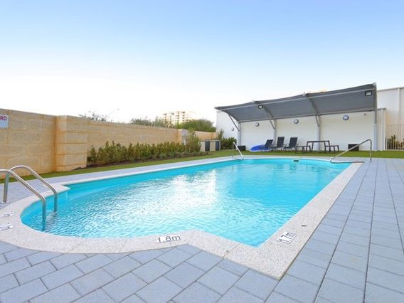 https://propertyphotos.vaultre.com.au/835/759877__reaimport-1568684158-347364-29036.jpg