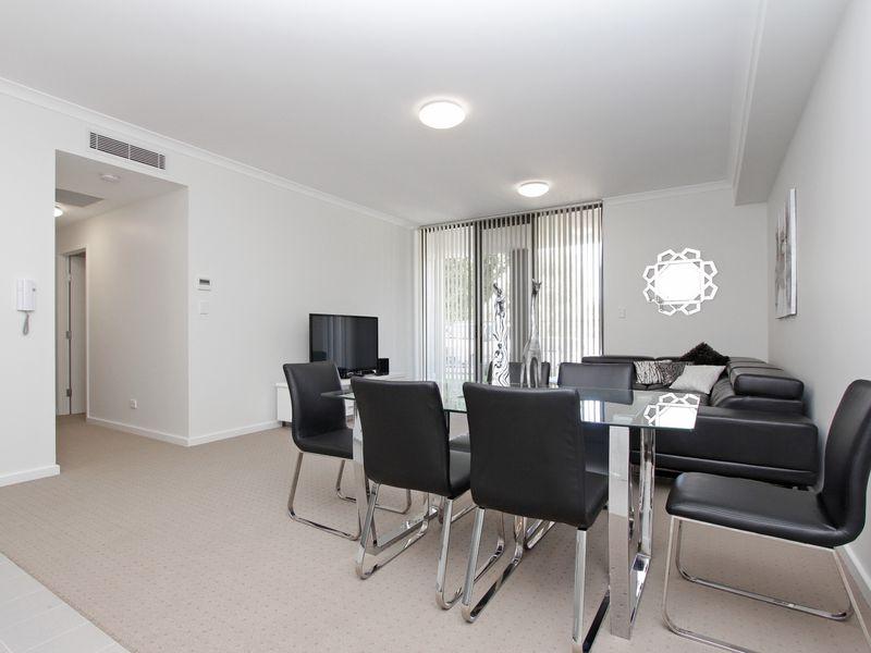 https://propertyphotos.vaultre.com.au/835/759879__reaimport-1568684158-347364-29036.jpg