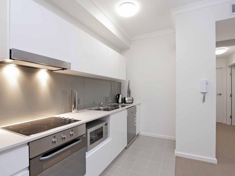 https://propertyphotos.vaultre.com.au/835/759882__reaimport-1568684160-347364-29036.jpg