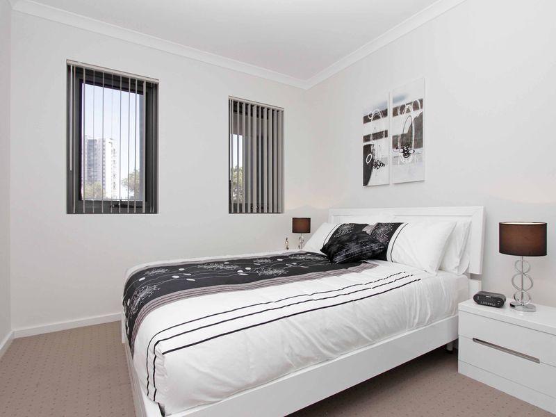 https://propertyphotos.vaultre.com.au/835/759883__reaimport-1568684160-347364-29036.jpg