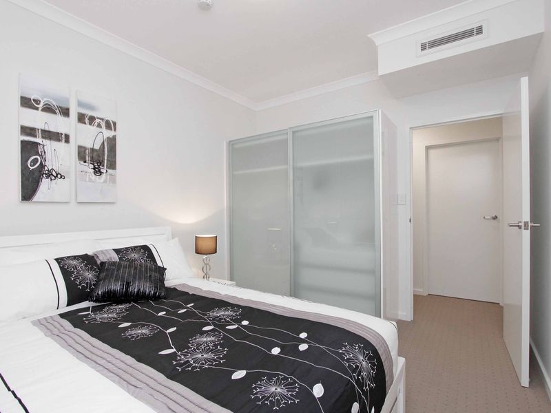 https://propertyphotos.vaultre.com.au/835/759884__reaimport-1568684161-347364-29036.jpg