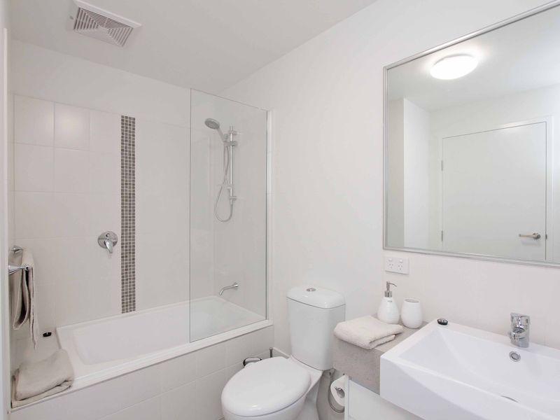 https://propertyphotos.vaultre.com.au/835/759886__reaimport-1568684162-347364-29036.jpg