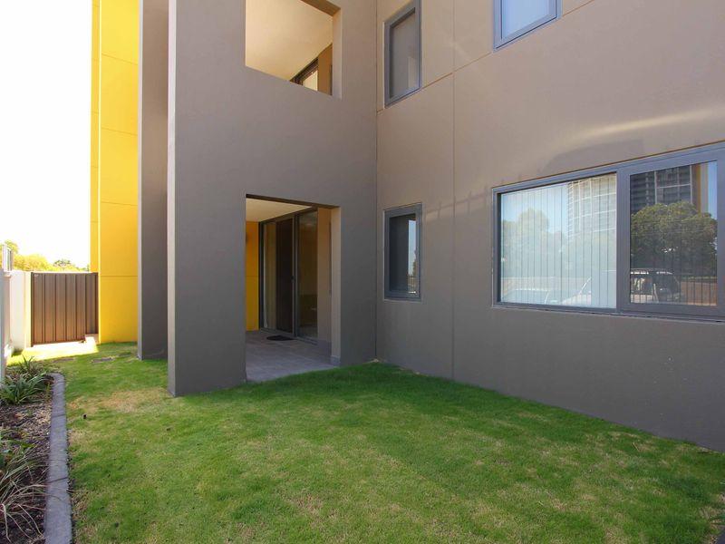 https://propertyphotos.vaultre.com.au/835/759892__reaimport-1568684164-347364-29036.jpg