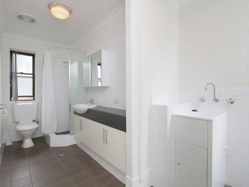 https://propertyphotos.vaultre.com.au/835/759912__reaimport-1568684171-347366-29037.jpg