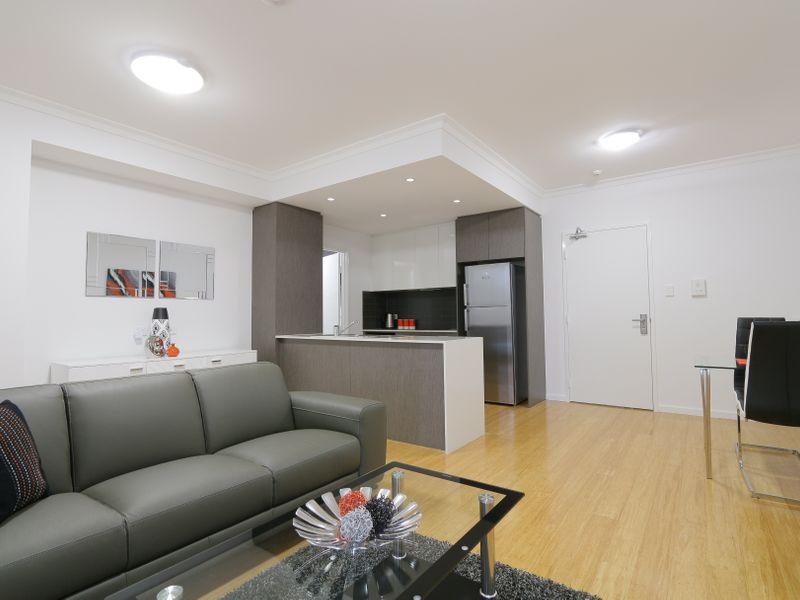 https://propertyphotos.vaultre.com.au/835/759930__reaimport-1568684176-347367-29038.jpg