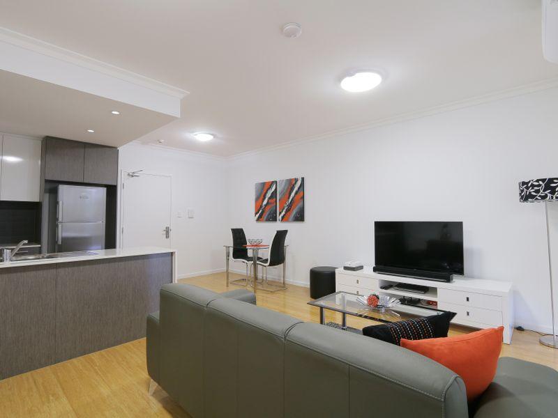 https://propertyphotos.vaultre.com.au/835/759932__reaimport-1568684177-347367-29038.jpg