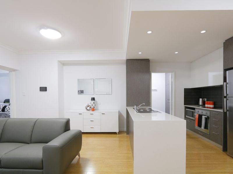 https://propertyphotos.vaultre.com.au/835/759933__reaimport-1568684177-347367-29038.jpg