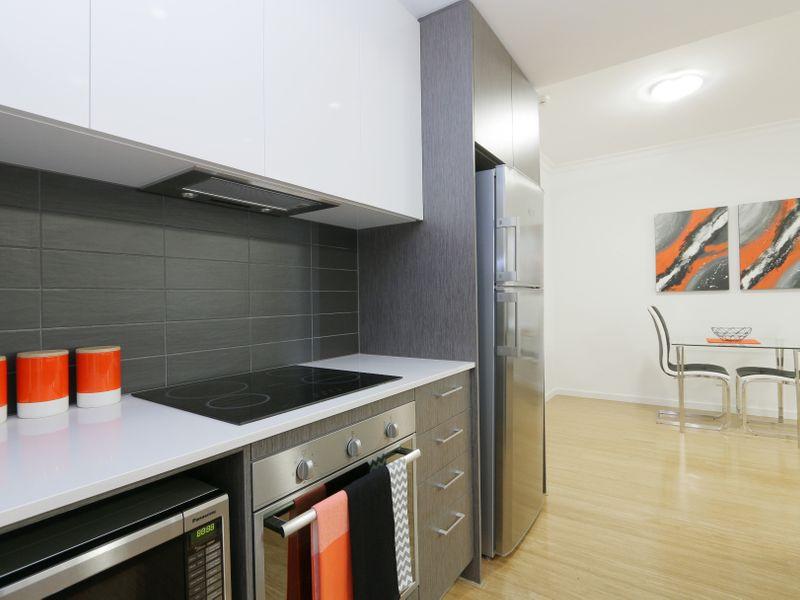 https://propertyphotos.vaultre.com.au/835/759937__reaimport-1568684179-347367-29038.jpg