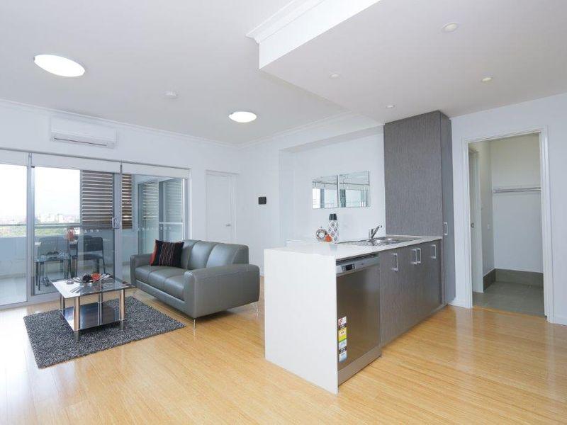 https://propertyphotos.vaultre.com.au/835/759950__reaimport-1568684183-347367-29038.jpg
