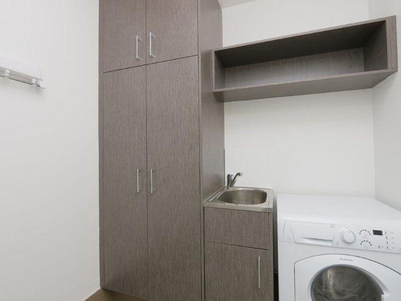 https://propertyphotos.vaultre.com.au/835/759953__reaimport-1568684184-347367-29038.jpg