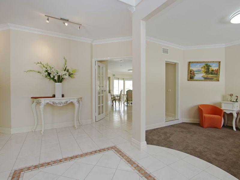 https://propertyphotos.vaultre.com.au/835/760076__reaimport-1568684229-347375-29045.jpg