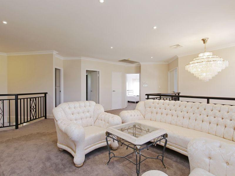 https://propertyphotos.vaultre.com.au/835/760085__reaimport-1568684232-347375-29045.jpg