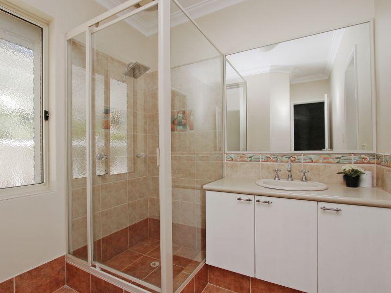 https://propertyphotos.vaultre.com.au/835/760086__reaimport-1568684232-347375-29045.jpg