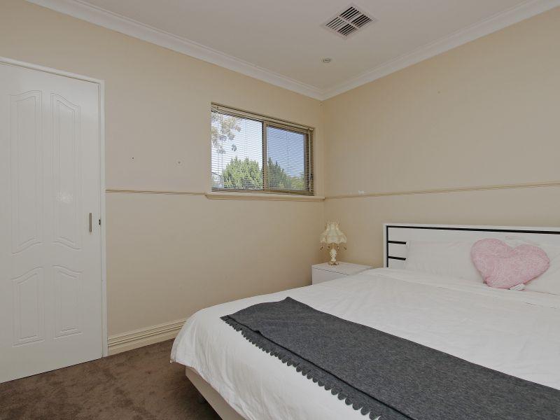 https://propertyphotos.vaultre.com.au/835/760092__reaimport-1568684234-347375-29045.jpg