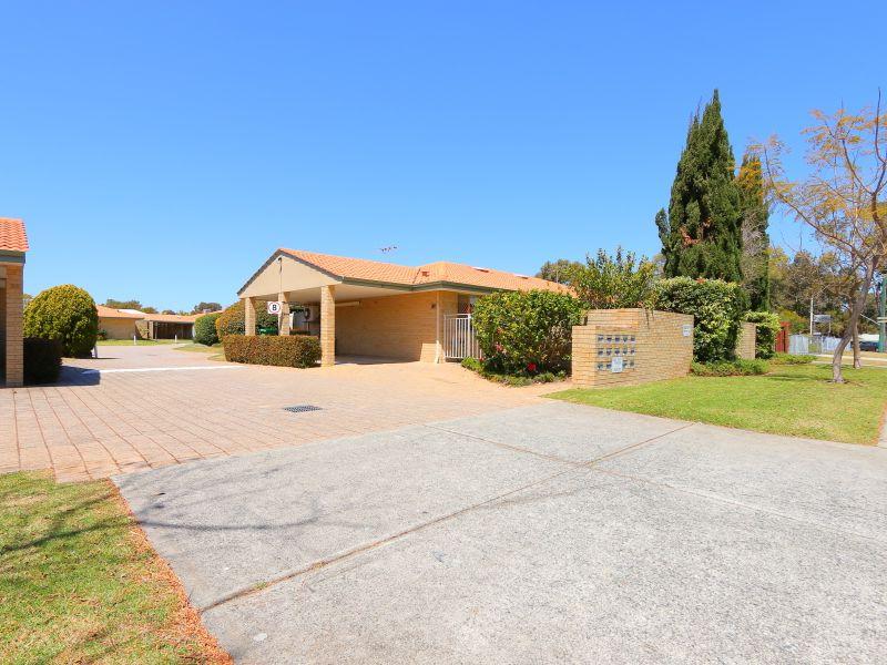 https://propertyphotos.vaultre.com.au/835/760133__reaimport-1568684246-347379-29049.jpg
