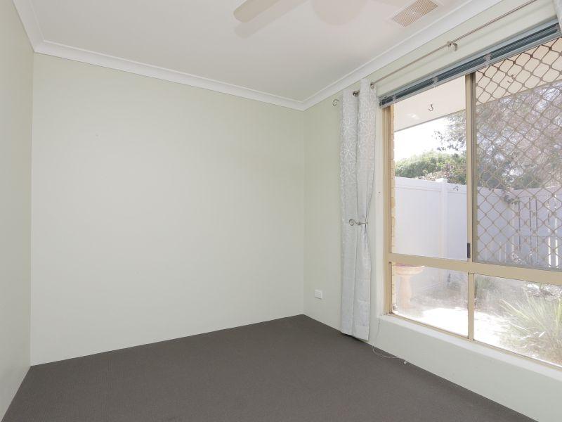 https://propertyphotos.vaultre.com.au/835/760142__reaimport-1568684249-347379-29049.jpg