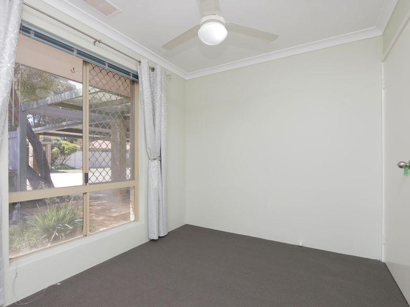 https://propertyphotos.vaultre.com.au/835/760145__reaimport-1568684250-347379-29049.jpg
