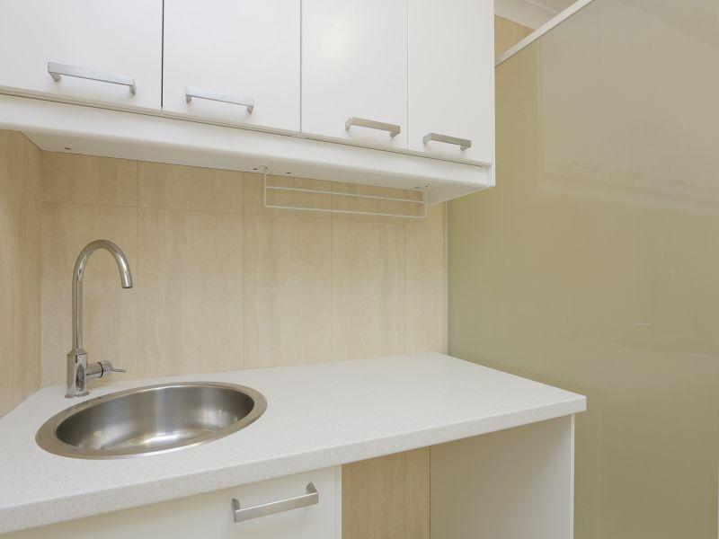 https://propertyphotos.vaultre.com.au/835/760149__reaimport-1568684252-347379-29049.jpg