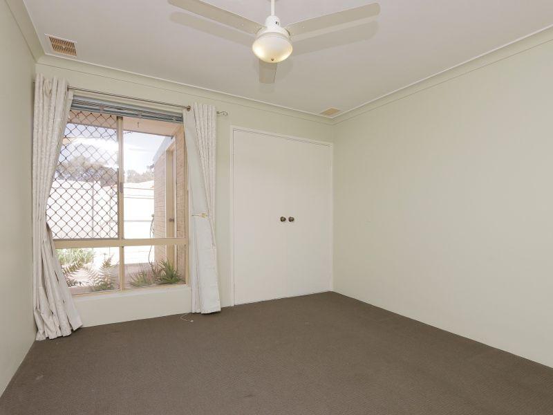 https://propertyphotos.vaultre.com.au/835/760150__reaimport-1568684252-347379-29049.jpg