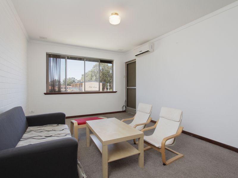 https://propertyphotos.vaultre.com.au/835/760431__reaimport-1568684350-347393-29063.jpg