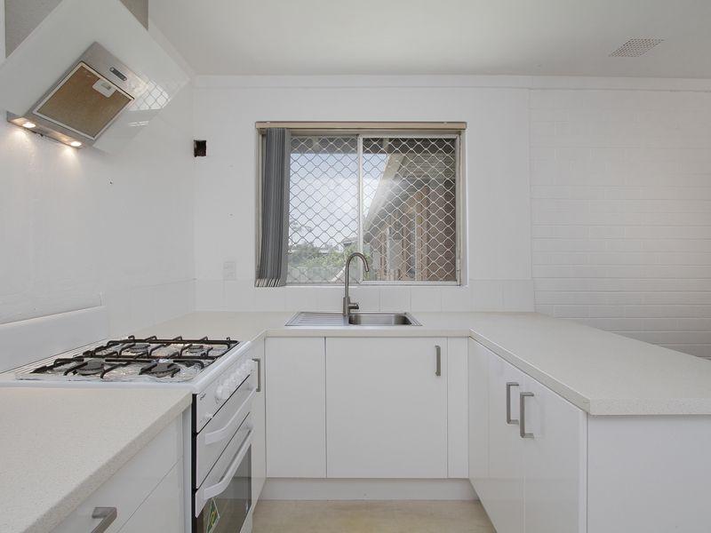 https://propertyphotos.vaultre.com.au/835/760438__reaimport-1568684354-347393-29063.jpg