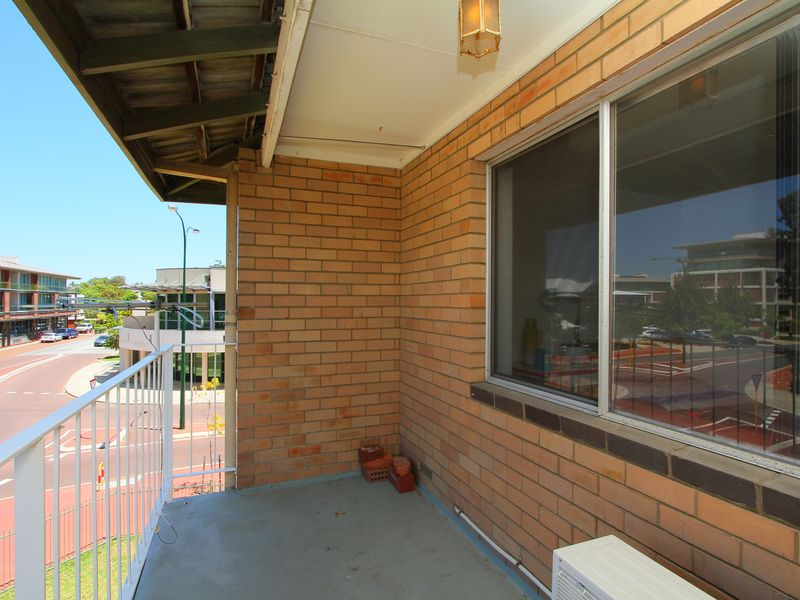 https://propertyphotos.vaultre.com.au/835/760440__reaimport-1568684355-347393-29063.jpg