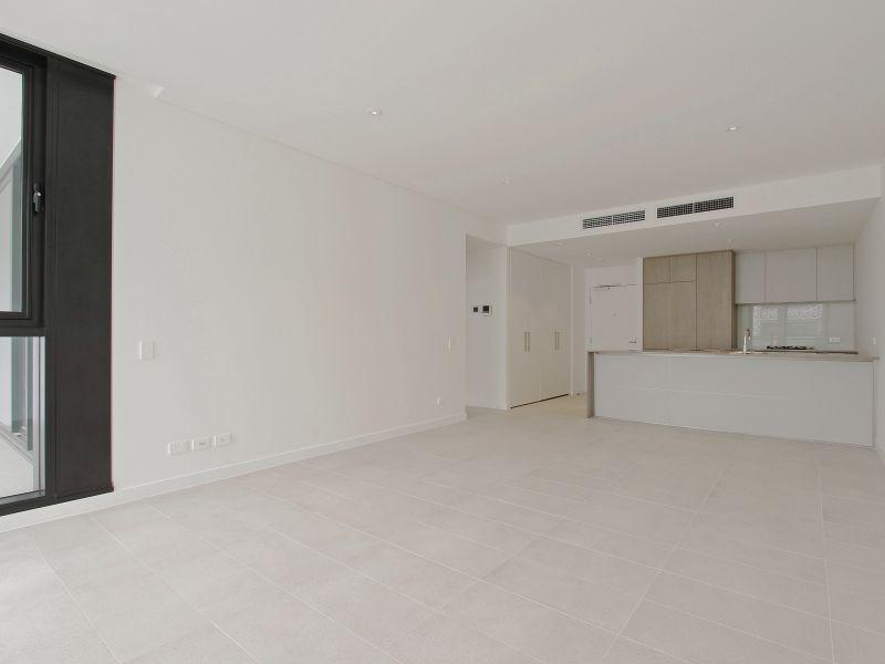 https://propertyphotos.vaultre.com.au/835/760490__reaimport-1568684377-347396-29065.jpg