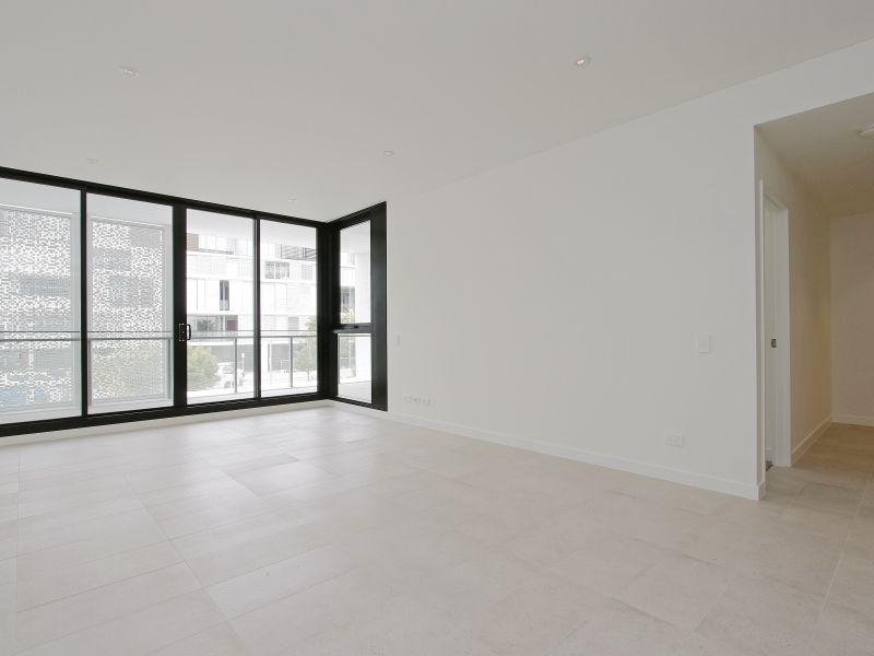 https://propertyphotos.vaultre.com.au/835/760491__reaimport-1568684377-347396-29065.jpg