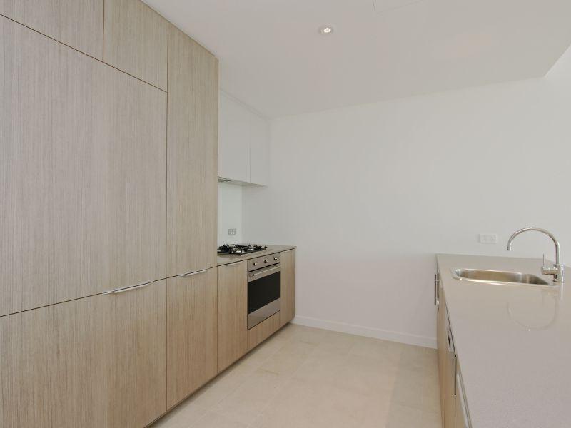 https://propertyphotos.vaultre.com.au/835/760492__reaimport-1568684377-347396-29065.jpg
