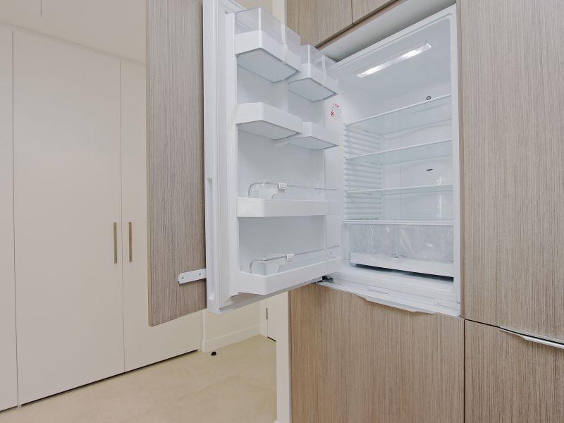 https://propertyphotos.vaultre.com.au/835/760493__reaimport-1568684378-347396-29065.jpg