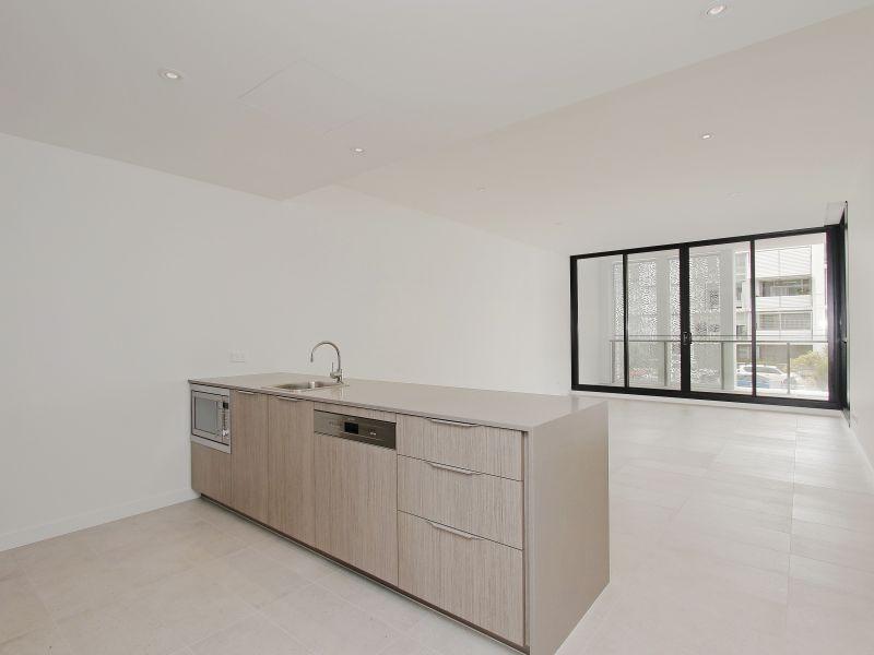 https://propertyphotos.vaultre.com.au/835/760494__reaimport-1568684378-347396-29065.jpg