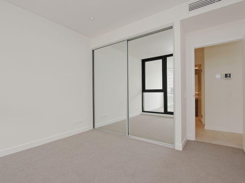 https://propertyphotos.vaultre.com.au/835/760497__reaimport-1568684379-347396-29065.jpg