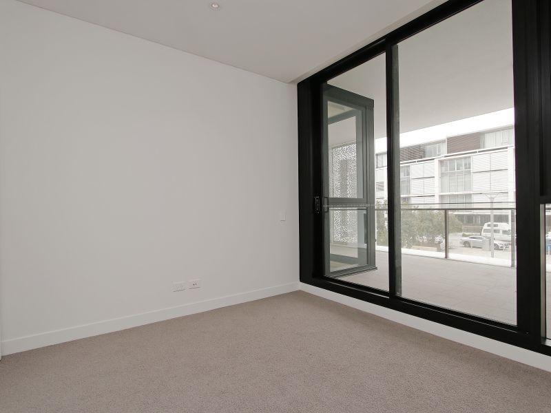 https://propertyphotos.vaultre.com.au/835/760498__reaimport-1568684379-347396-29065.jpg