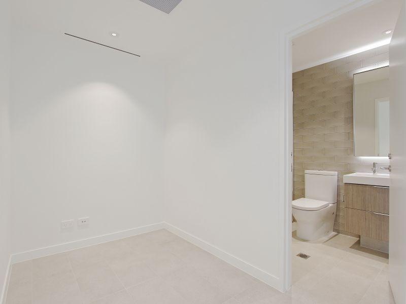 https://propertyphotos.vaultre.com.au/835/760499__reaimport-1568684380-347396-29065.jpg