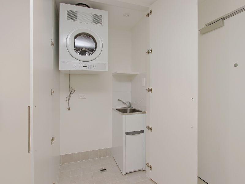 https://propertyphotos.vaultre.com.au/835/760501__reaimport-1568684380-347396-29065.jpg