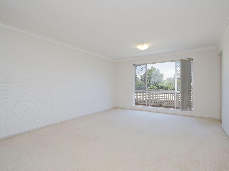 https://propertyphotos.vaultre.com.au/835/760617__reaimport-1568684429-347402-29071.jpg