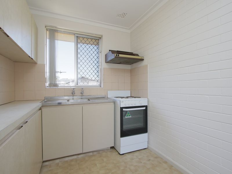 https://propertyphotos.vaultre.com.au/835/760618__reaimport-1568684429-347402-29071.jpg
