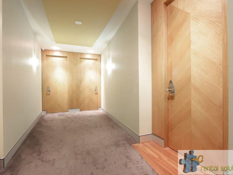 https://propertyphotos.vaultre.com.au/835/760802__reaimport-1568684488-347413-29082.jpg