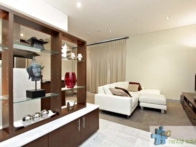 https://propertyphotos.vaultre.com.au/835/760803__reaimport-1568684489-347413-29082.jpg