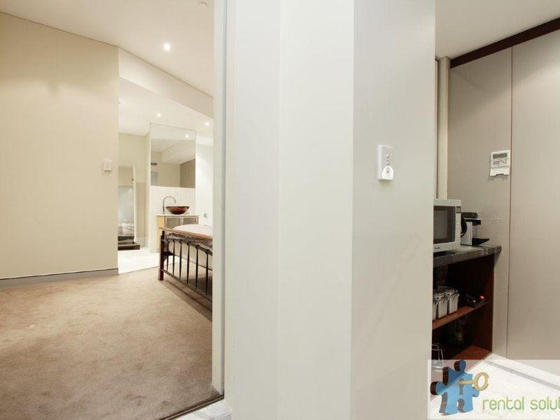 https://propertyphotos.vaultre.com.au/835/760807__reaimport-1568684490-347413-29082.jpg