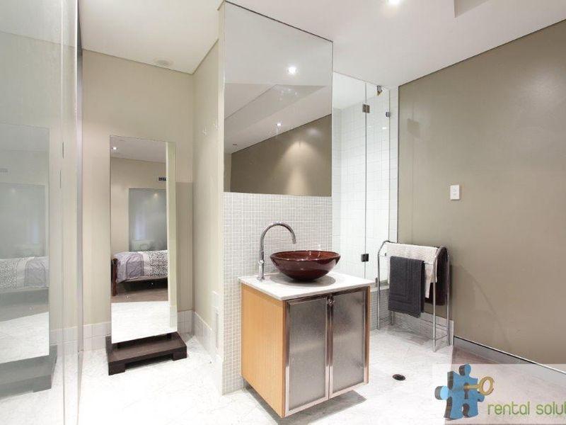 https://propertyphotos.vaultre.com.au/835/760817__reaimport-1568684494-347413-29082.jpg