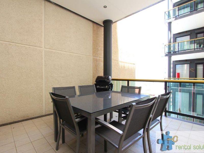 https://propertyphotos.vaultre.com.au/835/760824__reaimport-1568684496-347413-29082.jpg