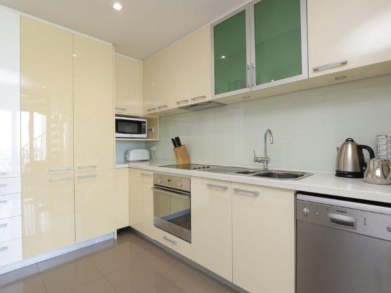 https://propertyphotos.vaultre.com.au/835/760994__reaimport-1568684556-347425-29093.jpg