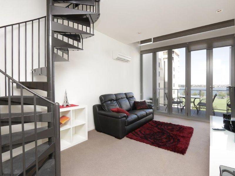 https://propertyphotos.vaultre.com.au/835/760997__reaimport-1568684557-347425-29093.jpg